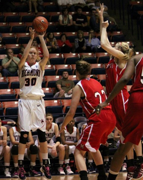 Ryann Dannelly Playing Basketball in College